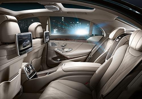 Mercedes Benz class 3d row seat